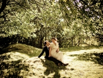 Choose the right wedding photographer