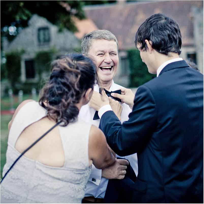 becoming a wedding photographer