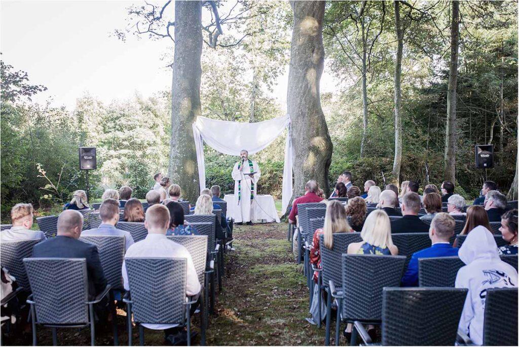 world no 1 wedding photographer